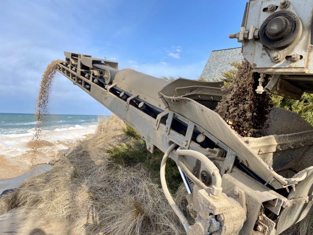 Sand slinger truck