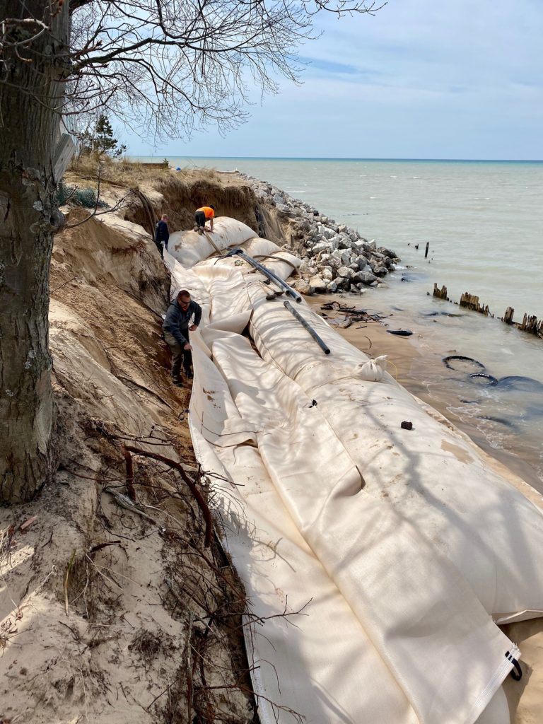 Geotextile tubes installation